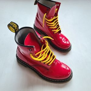 DOC MARTENS • 1460 red patent leather boots